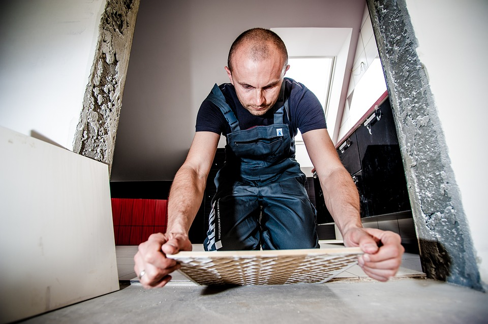 Although tile laying is not very complicated, it is necessary to prepare for it before starting work.